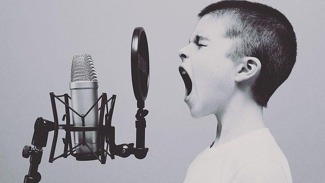 Czym tak naprawdę jest mikrofon i jakie jego rodzaje wyróżniamy?